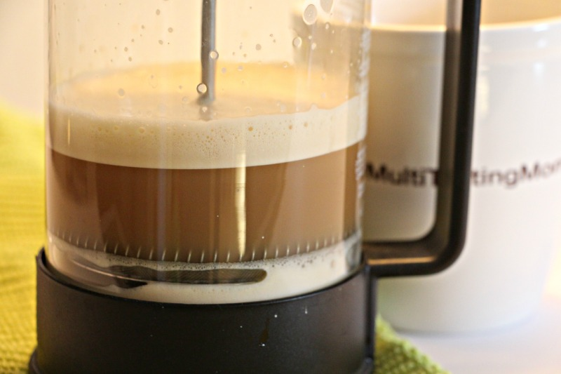 how to make froth in coffee at home